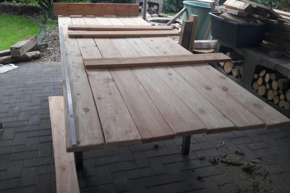 DIY Holztisch für die Outdoorküche - Kristin´s Garten